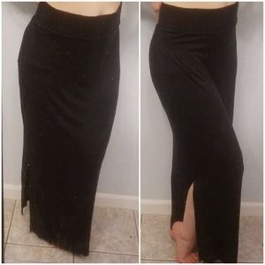 Figure flattering, stretchy black maxi skirt